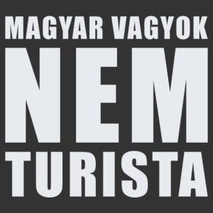 Magyar vagyok, nem turista feliratos vicces autómatrica kép
